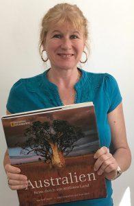 Bettina Chegini mit einer ihrer Buch-Übersetzungen